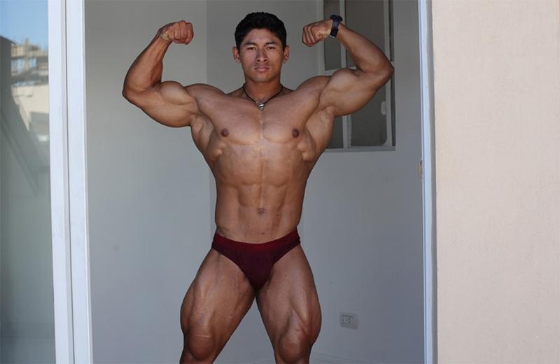 muscle men 2 muscle hunks  Ko Ryu