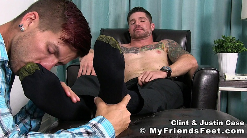 myfriendsfeet-foot-fetish-young-guys-socks-justin-case-clint-bare-foot-worshiping-huge-size-13-shoes-feet-fetishist-006-gay-porn-sex-gallery-pics-video-photo