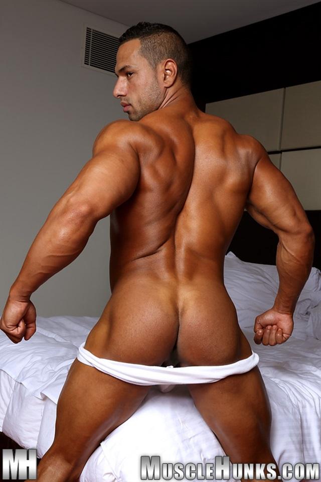 muscle men 2 muscle hunks  Cosmo Babu