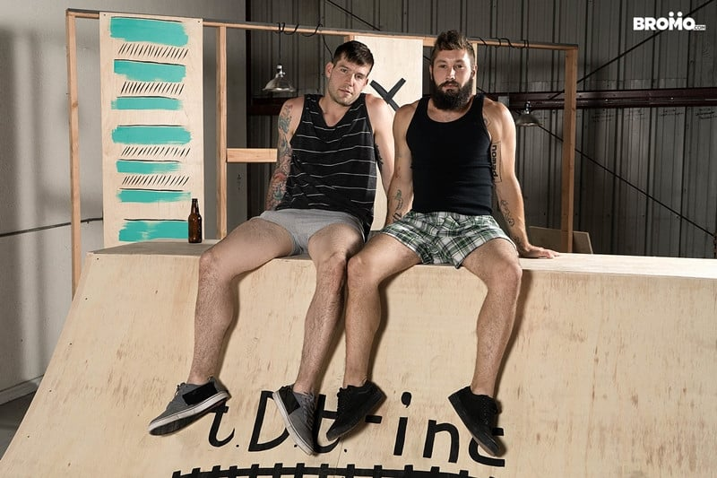 Men for Men Blog Jeff-Powers-hot-cock-fucks-Buck-Richards-tight-asshole-Hairy-bearded-muscle-hunk-Bromo-004-gay-porn-pictures-gallery Hairy bearded muscle hunk Jeff Powers hot cock splits Buck Richards' tight asshole Bromo