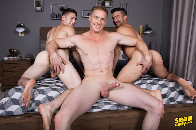 Men for Men Blog SeanCody-Jax-Manny-Lane-bareback-ass-fucking-threesome-big-thick-muscle-dicks-sucking-001-gay-porn-pictures-gallery Jax, Manny and Lane bareback ass fucking threesome Sean Cody