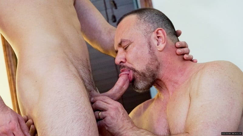Men for Men Blog Mason-Lear-Max-Sargent-Older-mature-hunk-tight-asshole-abused-big-thick-dick-IconMale-005-gay-porn-pictures-gallery Older mature hunk Max Sargent's tight asshole abused by Mason Lear's big thick dick Icon Male