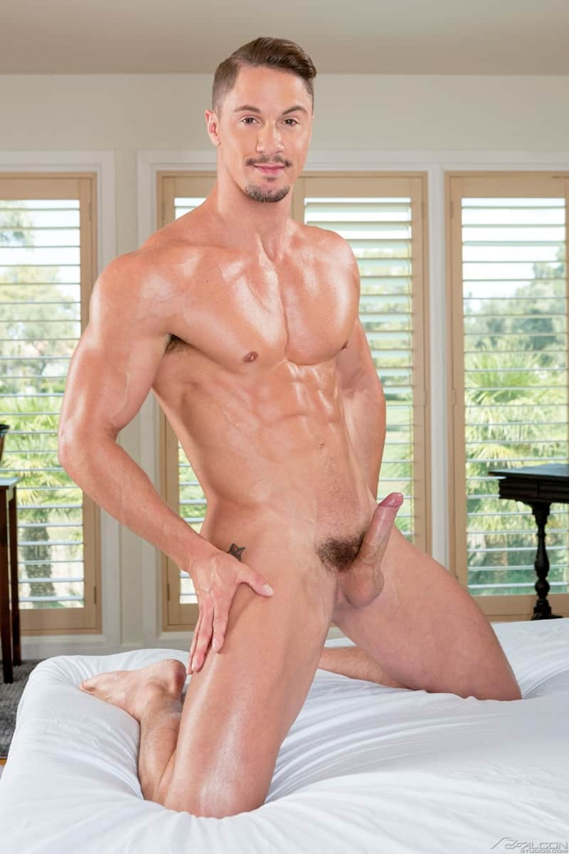 Men for Men Blog Nikko-Russo-Skyy-Knox-fucks-huge-cock-balls-deep-muscled-ass-hole-FalconStudios-005-gay-porn-pictures-gallery Nikko Russo pounds his huge cock going balls deep inside Skyy Knox's muscled ass hole Falcon Studios