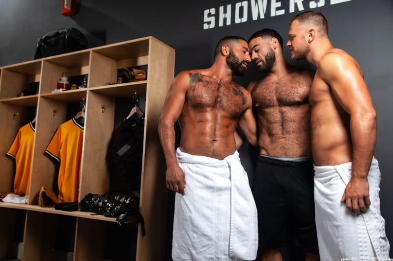 Big-muscle-studs-Wade-Wolfgar-stretches-Sharok-butt-hole-Ricky-Larkin-fucks-face-RagingStallion-001-Gay-Porn-Pics